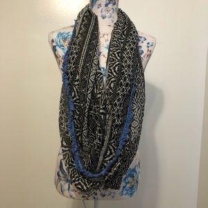 AEO black & white w/ blue tribal infinity scarf
